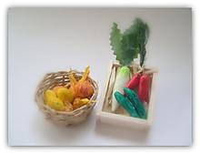 野菜のミニチュア(大根、ニンジン、キュウリ、タマネギ、ジャガイモ)