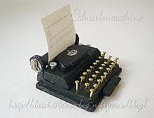 Beatrix_typewriter02_m