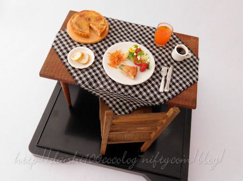 Miniature_morning_set_tabe_and_ch_2