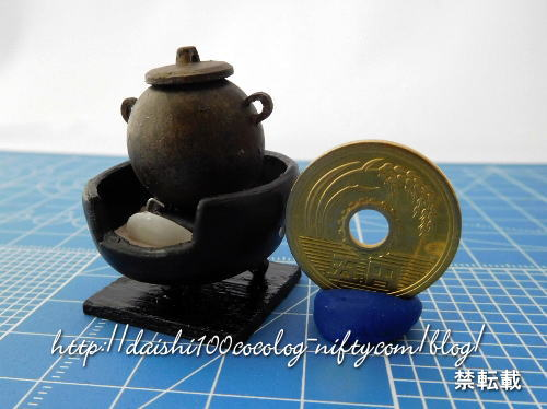 Miniature_iron_teakettle01